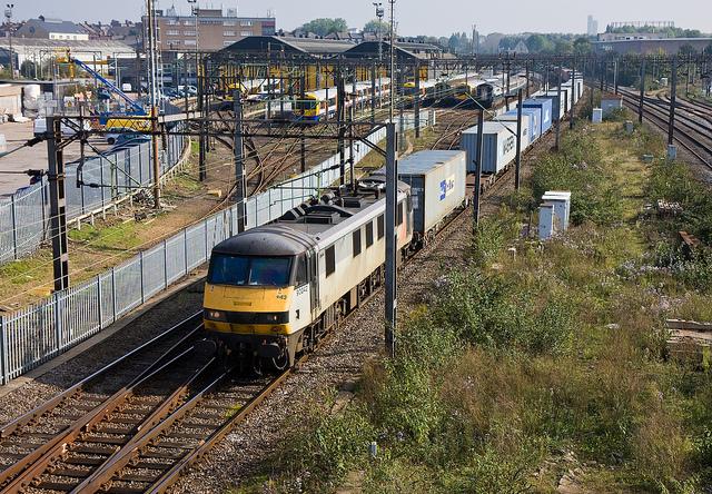 90042 at Willesden Junction