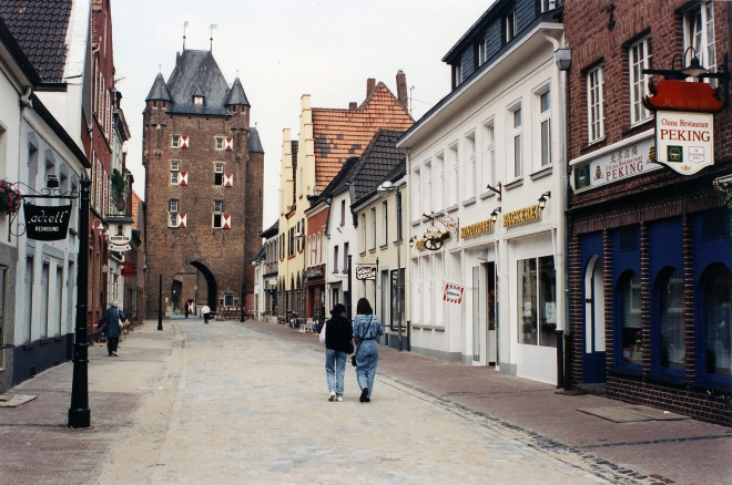 Xanten_Kleve Strasse and Kleve Tower
