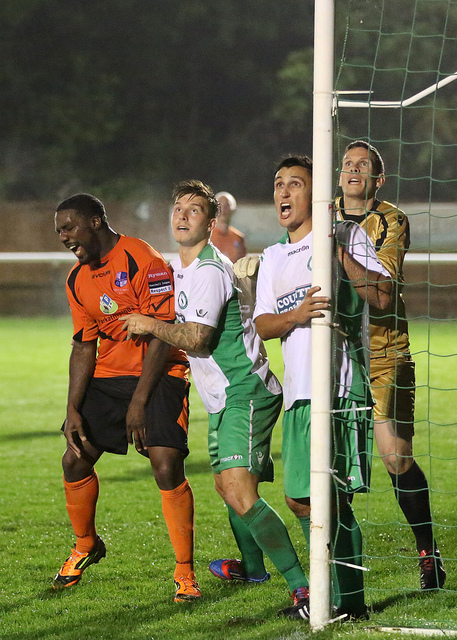 I do believe the Defender is tickling Leon to put him off!