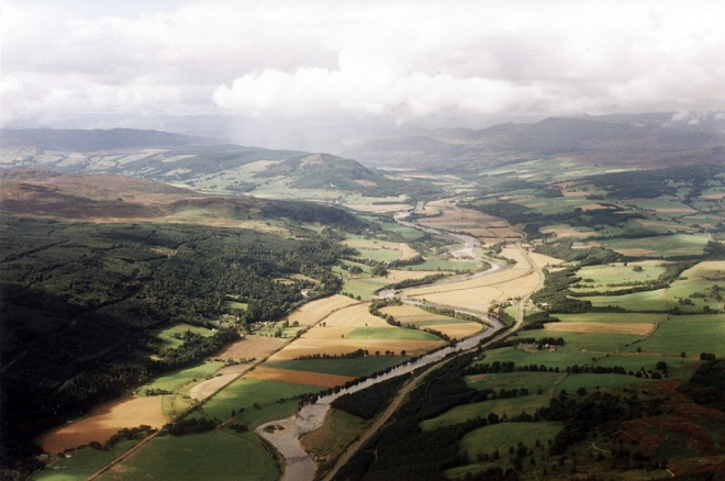 The valley of the River Tay at Dalguise seen from a Cessna 172.