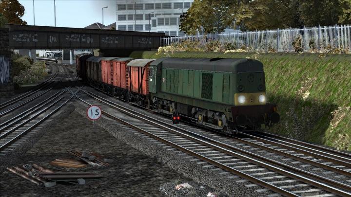D8008 at Gunnersbury